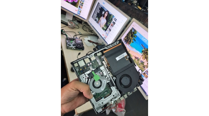 HP EliteDesk 800 G2 65w desktop mini pc ( energy star)