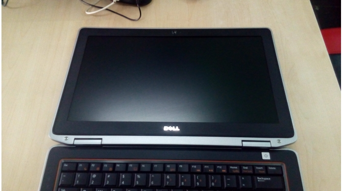 Dell Latitude E6320 i7-2640M